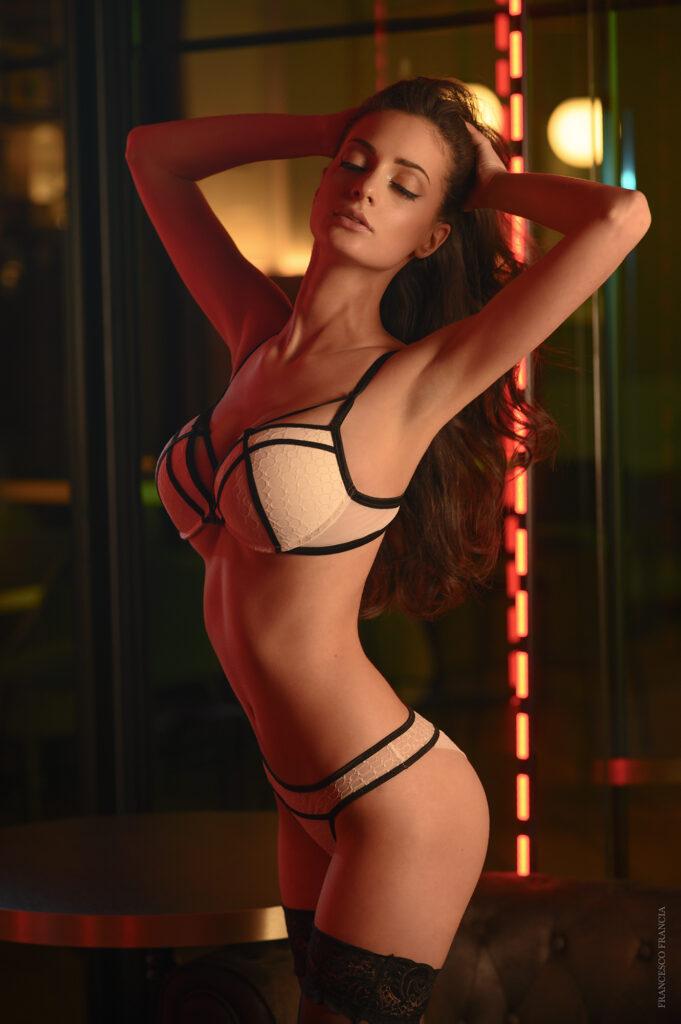 fotografia glamour - Ilenia Sculco - per playboy - fotografa Francesco Francia fotografo glamour- nude art photographer